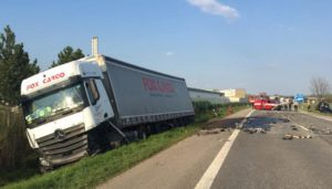 dopravni-nehoda-jicin-continental-10-4-2017-1
