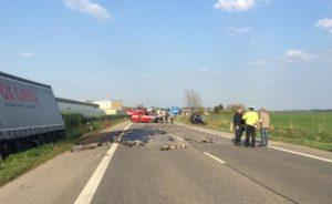 dopravni-nehoda-jicin-continental-10-4-2017