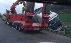 dopravni-nehoda-kamionu-konecchlumi-6-4-2017