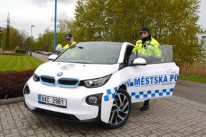 elektromobil-hradec-kralove-mestska-policie-bmw-i3-1