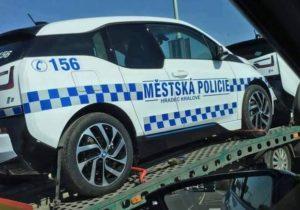 mestska-policie-hradec-kralove-elektro-bmw