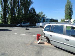 dopravni-nehoda-lochenice