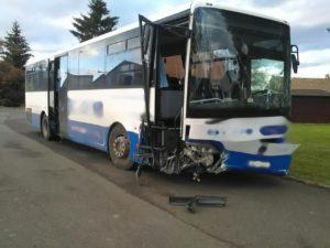nehoda-autobusu-14-12-4