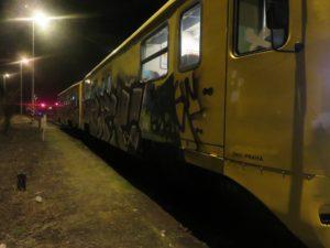 vandal-vlak-ceske-drahy-3