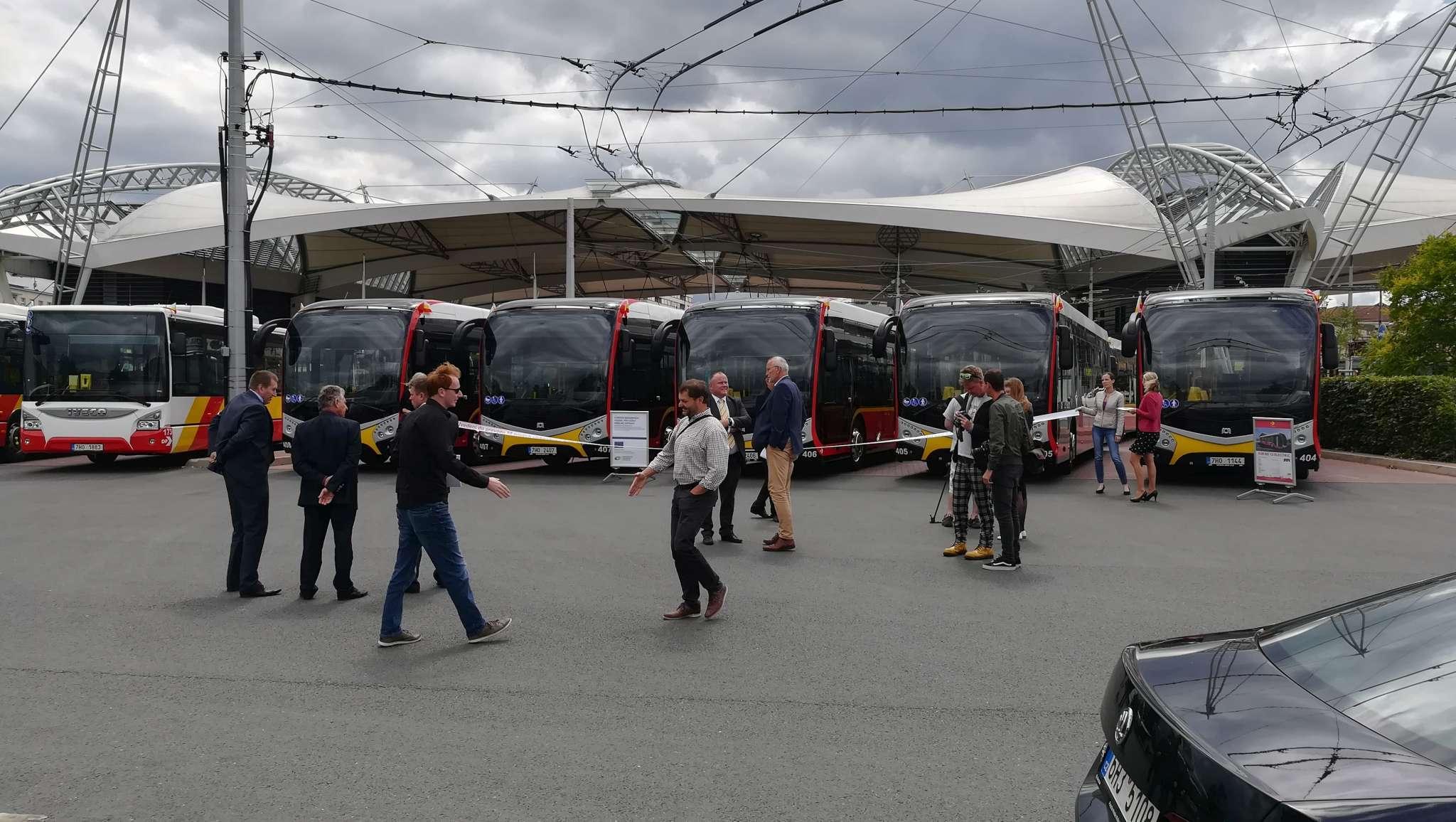 nove-vozy-dpmhk-hradec-kralove-elektrobus-sor-urbanway-iveco-10