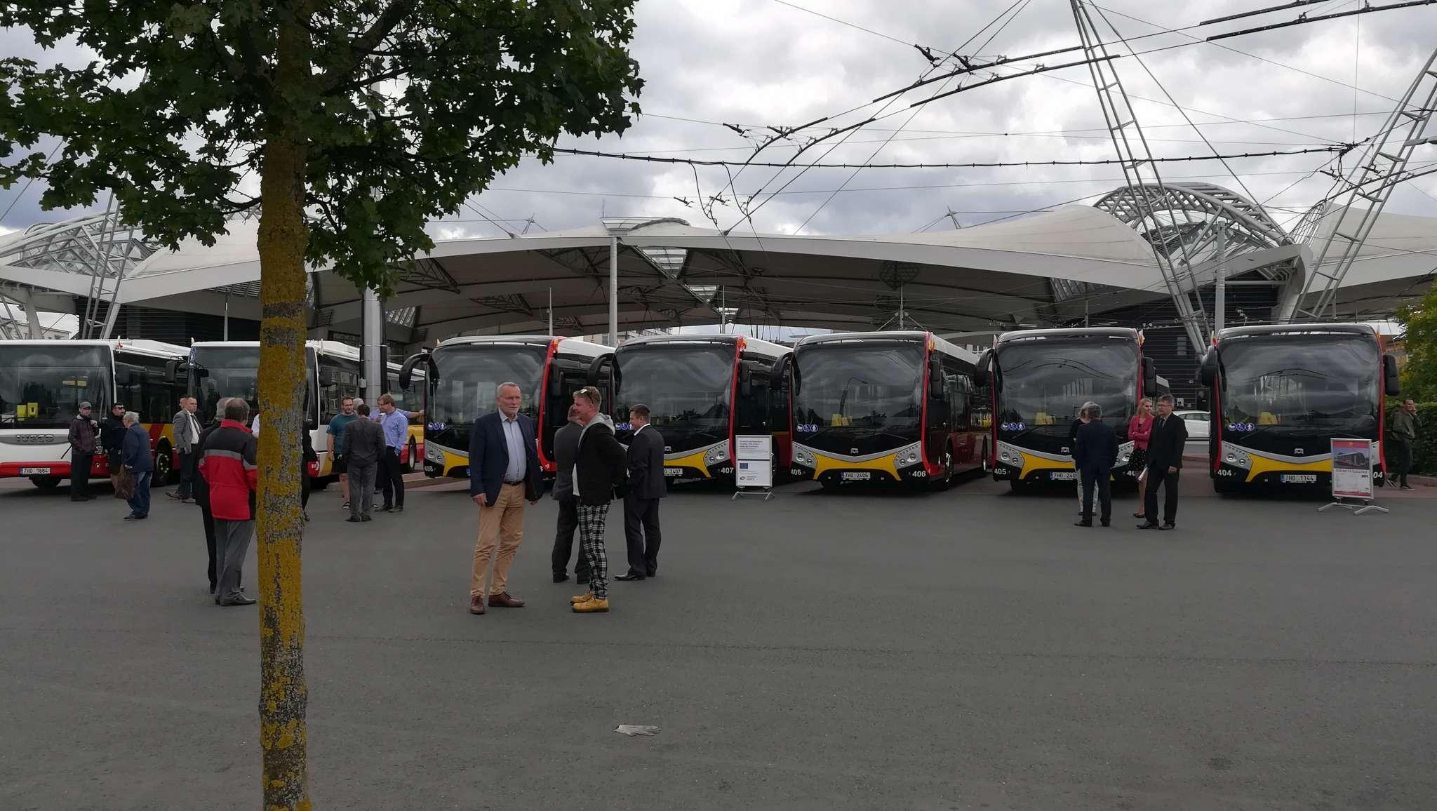 nove-vozy-dpmhk-hradec-kralove-elektrobus-sor-urbanway-iveco-15