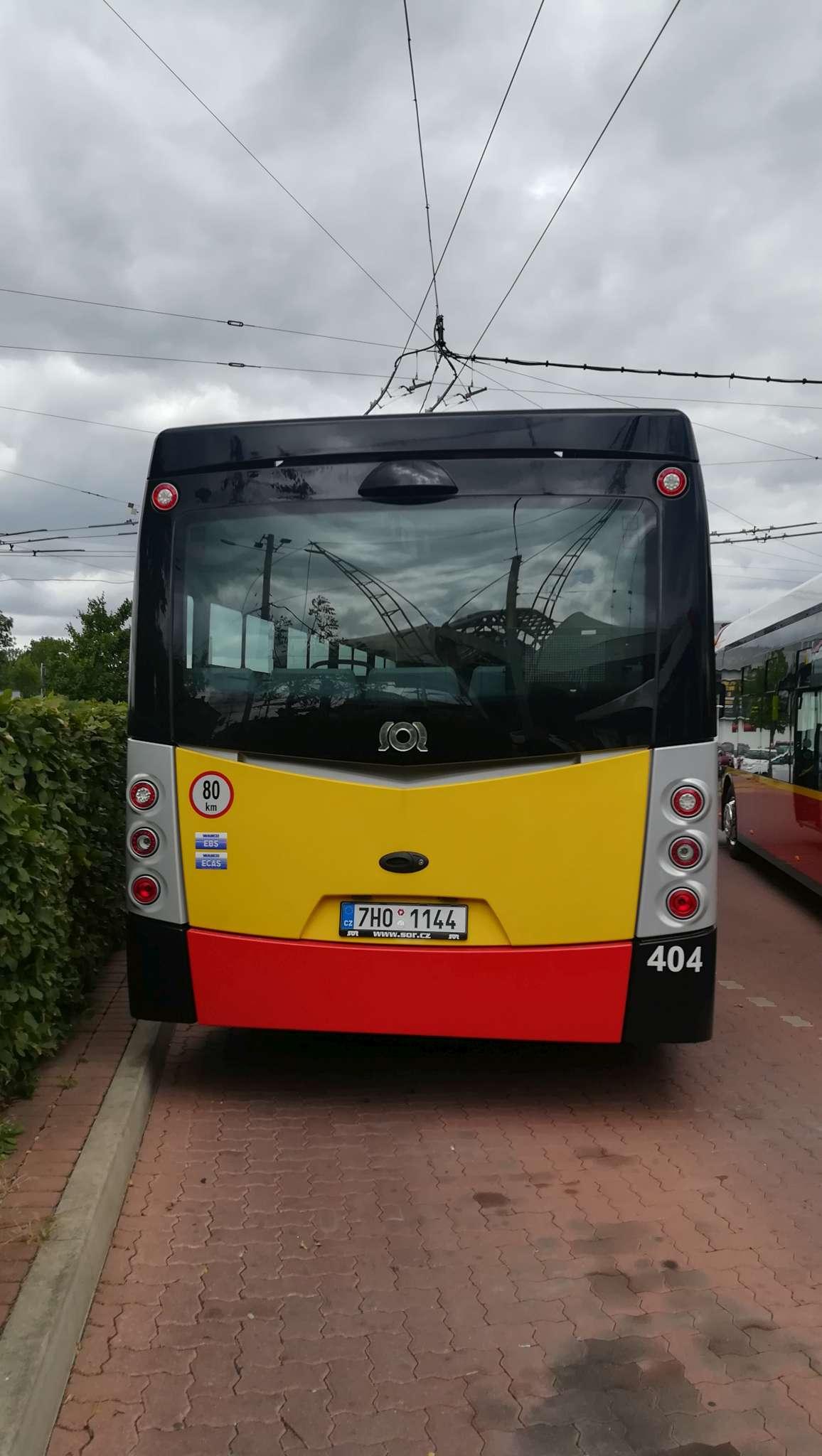 Zadní část elektrobusu SOR NS 12