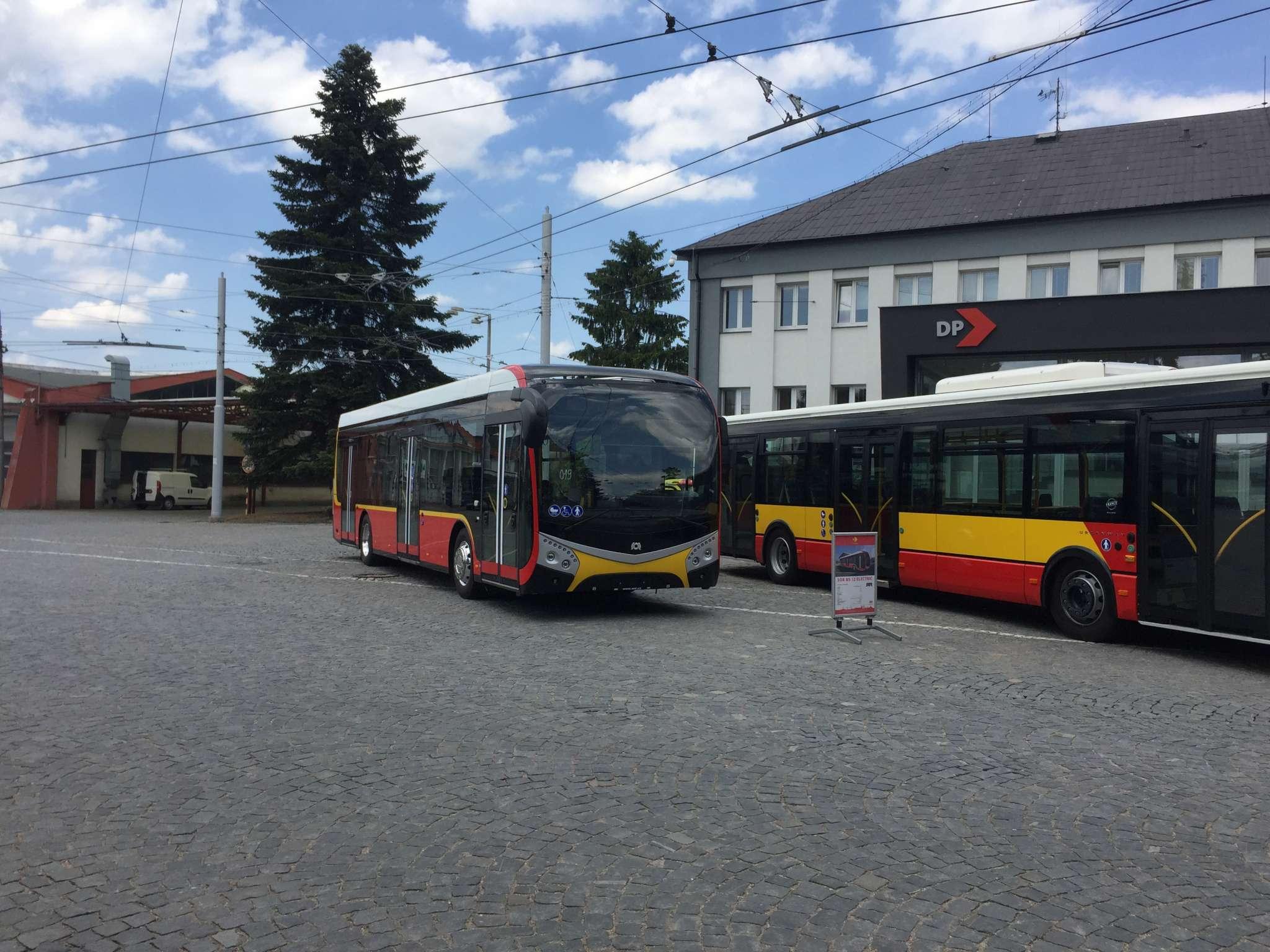 Elektrobus SOR NS-12