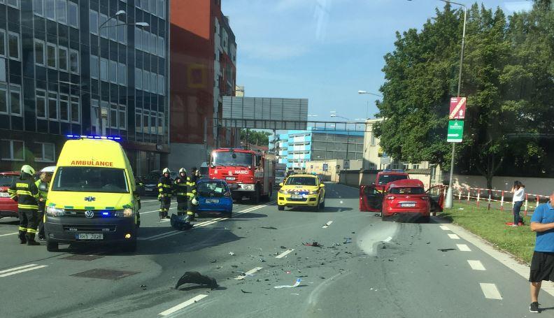 dopravni-nehoda-resslova-hradec-kralove