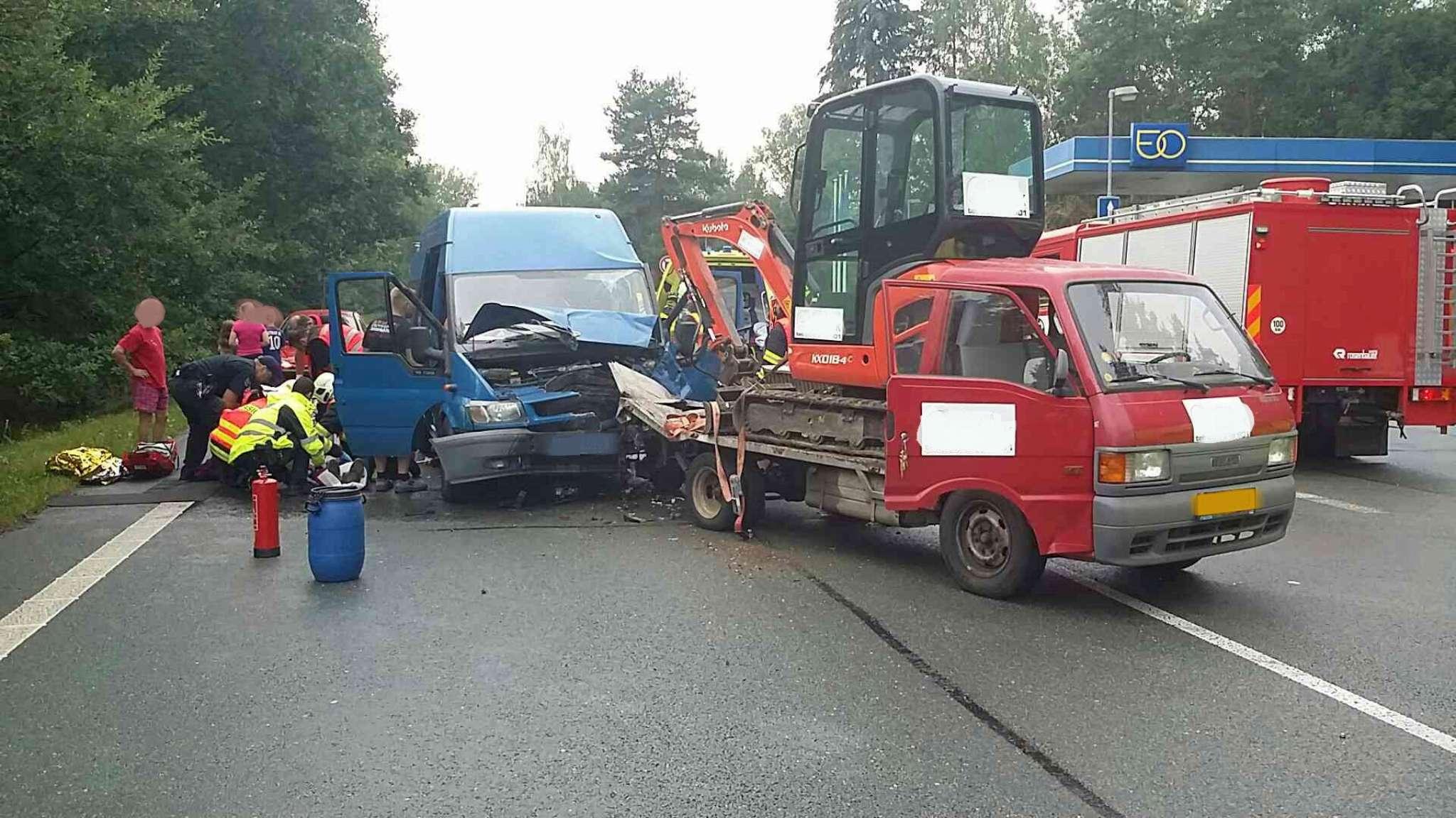 nehoda-lazne-bohdanec-2048