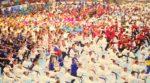 společné cvičení kata Heian Shodan (Heian – v překladu z japonštiny klid a mír) za mír na slavnostním nástupu MS SKIF 2019 – celkem 1359 cvičenců – údaj bude zapsán do České knihy rekordů. autorem fotografie Lubomír Douděra