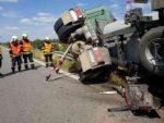 nehoda-kamion-hlina-1-2048