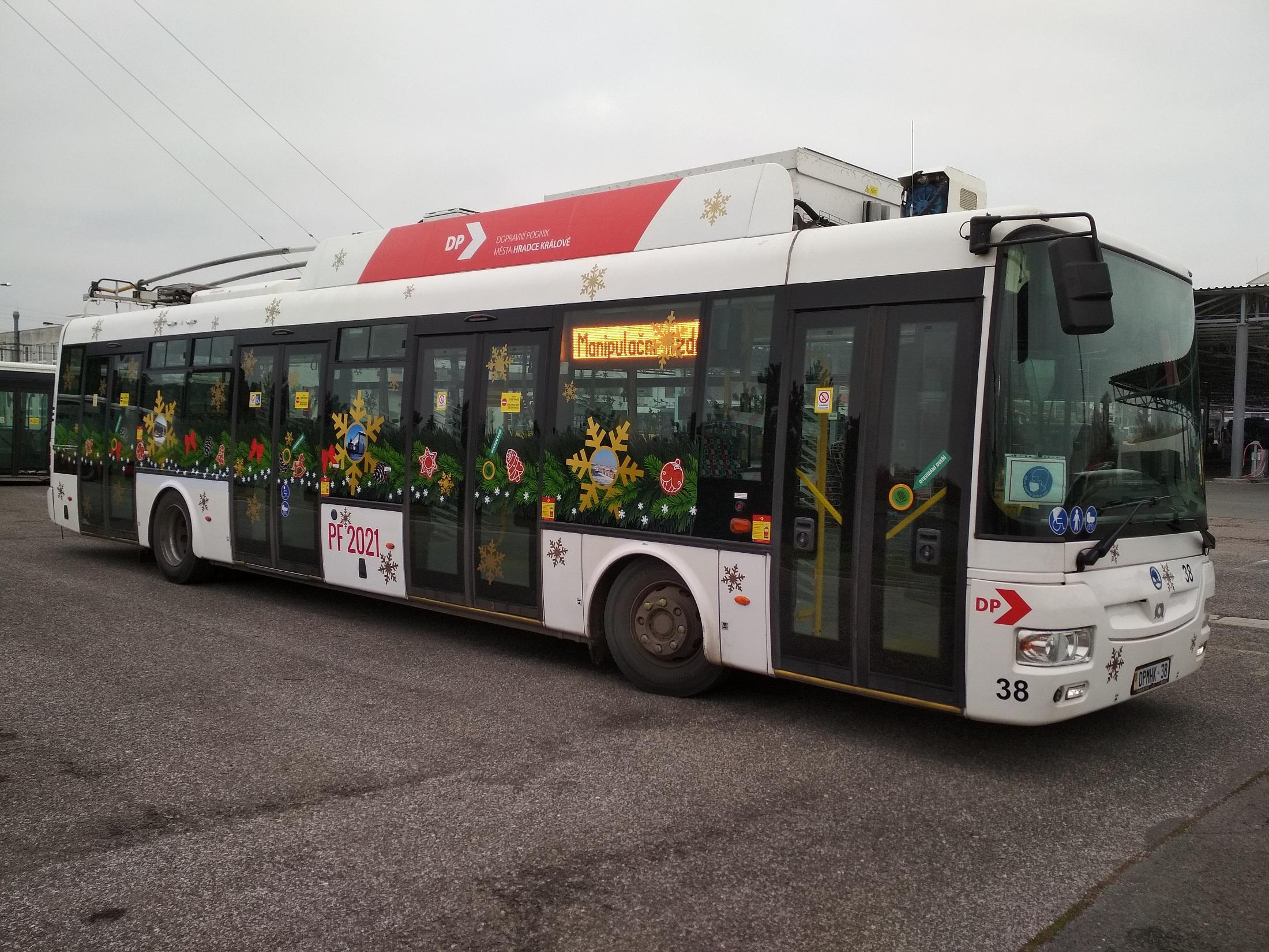 PFkový trolejbus - SOR TNB 12 - 38 - Hradec Králové (c) foto DPMHK